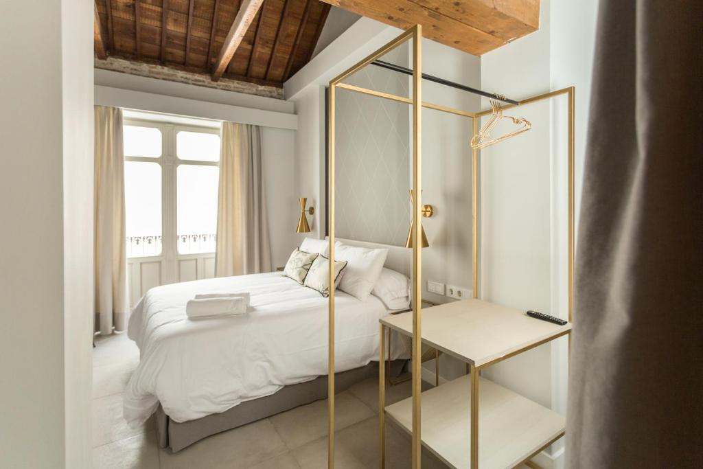 Weys-Home-Suites-Hotel-Malaga