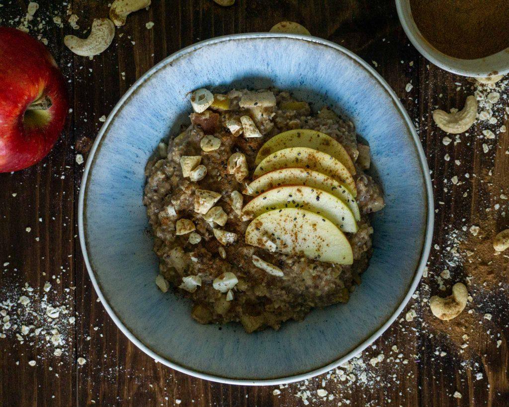 Apfel Zimt Porridge Rezept vegan